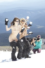 Naked Snowboarding