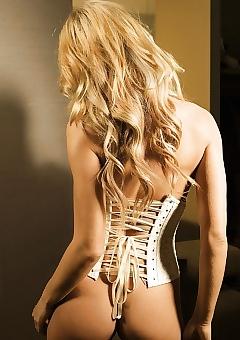 Doreen Jacobi corset