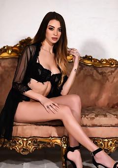 Emelia Dark