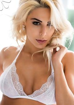 Caroline Junqueira