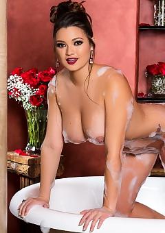 Playboy Best Of Baths