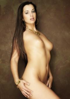 Nude Ennie